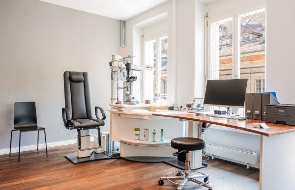 Augenarzt Praxis - Sprechstundenzimmer